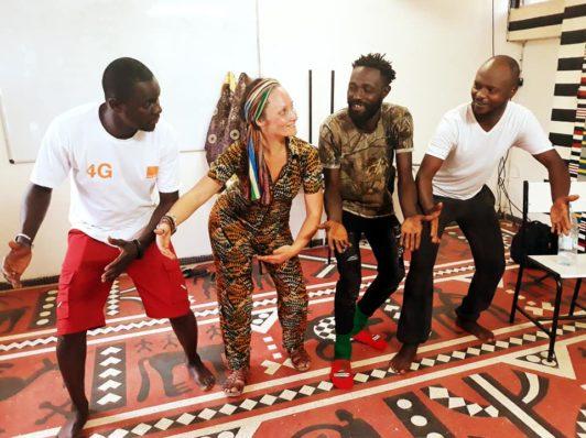 Voyages de collecte de danses & d'échanges chorégraphiques