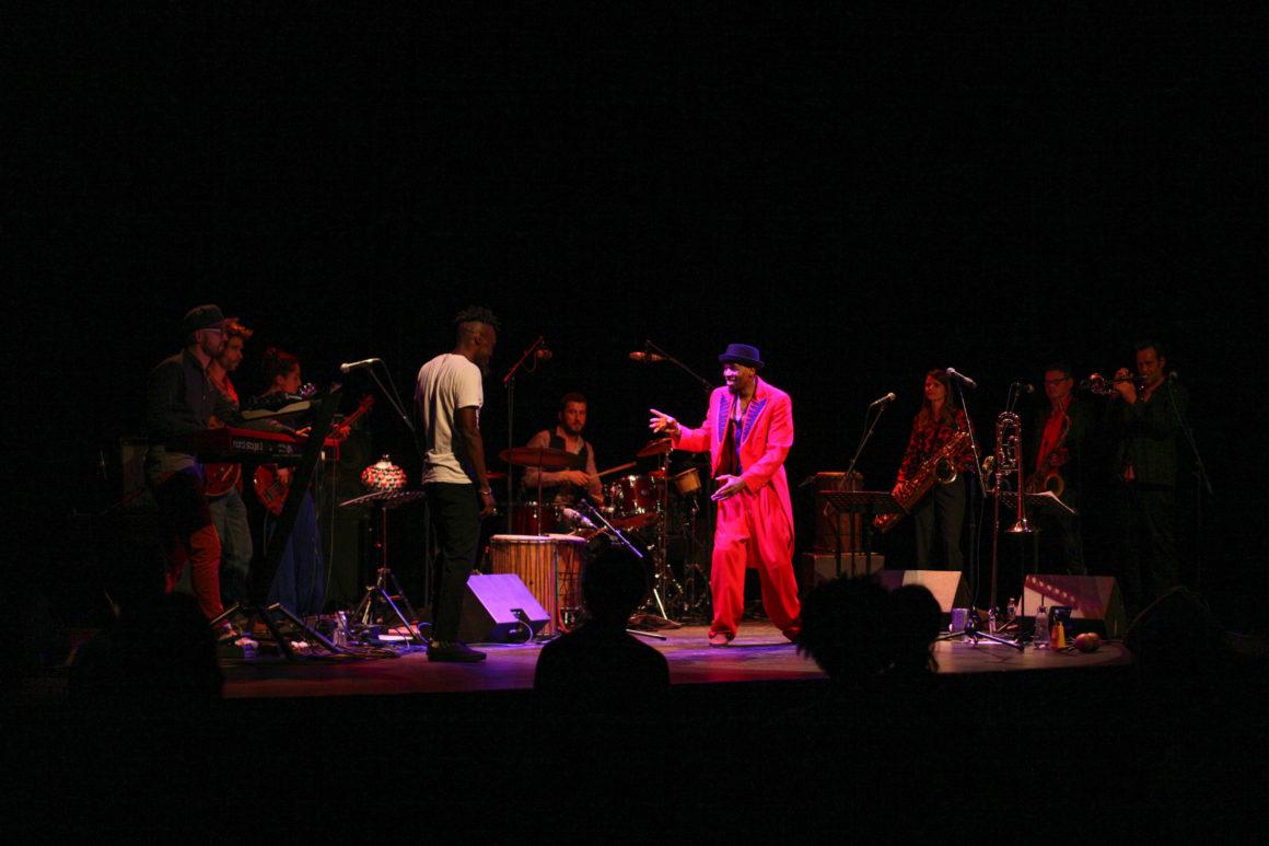 Kinyonga – Groove Time